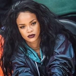 Rihanna-2015-1
